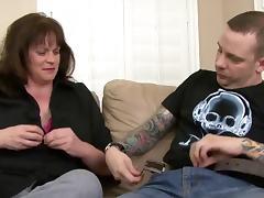 Nice mom with big ass & saggy boobs