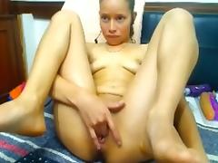 Webcam: 18 year old Colombian with big pussy (no sound)
