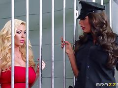 Jail bird and the guard get fucked by a visiting friend