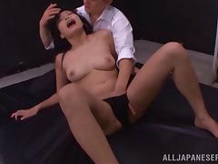 Shy curvy babe with natural tits gets a nice hot facial cumshot