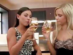 2 hot lesbian girls 979