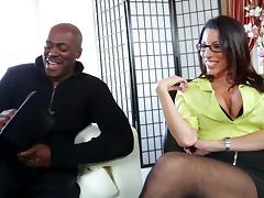 Huge dick sex makes the white girl in glasses scream in joy