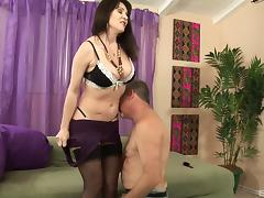 Super sexy MILF Rayveness fucks this big cock like crazy