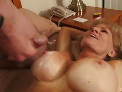 Cougar with amazing fake tits gets some hotel room loving