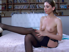 LacyNylons Video: Madeleine