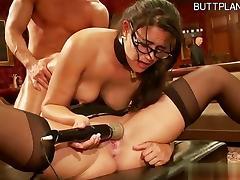 Sexy pussy sucking balls