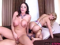 Ariella Ferrara in a sweet threeway fuck