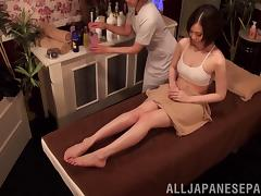 Dazzling lesbian masseuse delivers the perfect oily massage
