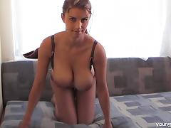 Big boobs babe really makes a very hot impression