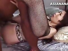 japonesa follando con negro
