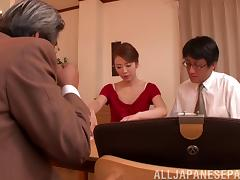 Old rich businessman fucking a classy Japanese MILF