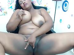 BBW Columbian Masturbates and Squirts