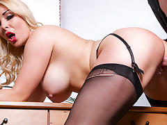 Victoria Summers & Luke Hardy in Naughty Office