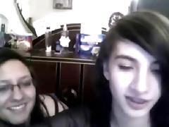 Brunette amateur clip shows me kissing with a lesbian