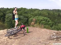 Fucking his hot hiking girlfriend on the top of a mountain