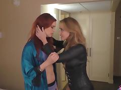 Vampire Angela Sommers eating pussy of Jayden Cole