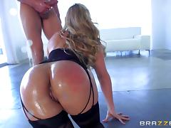 Pornstar with a perfect big ass takes balls deep anal sex