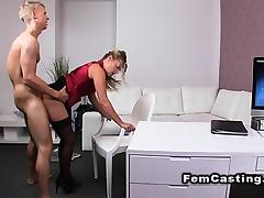 Blond amateur dude fucks female agent