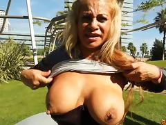 Fat booty milf babe sucking that big cock and banging hardcore
