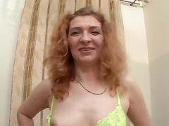 Slutty granny takes a dirty cumshot to her face after getting fucked