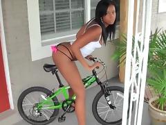 Biking booty