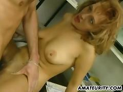 Vintage hardcore fucking of two ladies sharing a guy