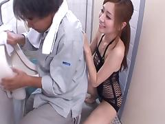Sucking cock is a specialty of Japanese hottie Maeda Kaori
