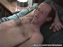 Amateur Mature Man Dave Beats Off - WorkinMenXxx