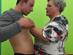 Fat granny spreads her legs for the fit guy to fuck her hard