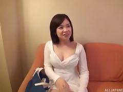 Curvy and super cute Japanese girl fucked and cumming