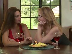 Vaginal licking is what makes Mindi and Angela happy and horny