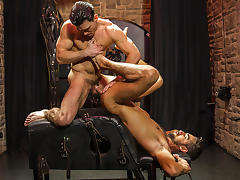 Massimo Piano & Paddy O'Brian in Language Barrier Part 1 - Str8ToGay