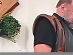 Alt und Jung - Wenn der Schwanz stinkt!