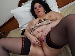 Plump housewife is feeling a bit horny and has to masturbate