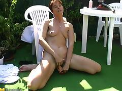 Natural tits cougar masturbates then banged hardcore outdoor
