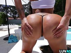 Lela Star is bootylicious