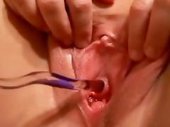 Peehole play