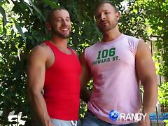 2 hot cum shots a piece when Tyler Wolf fuck bodybuilder stud Austin