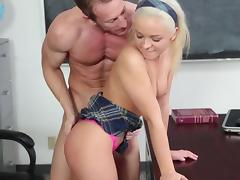 Blonde Cleo Vixen lifts her skirt for a nice shag with her muscular teacher