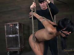 Black hunk fucks a tied up chick with an amazing body