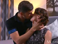 MOM Mature Housewife in stockings squirting after blowjob