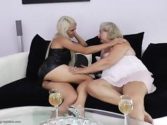 Blonde matured granny in miniskirt loves pussy licking
