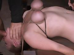 Senorita with tied up tits receives the vibrations in the dungeon