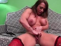 Brandimae Loves Her Clit Pump