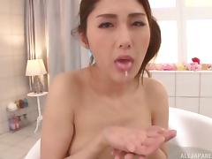 Cum-thirsty Japanese bomb Hara Chitose pleases a rod to get some juice