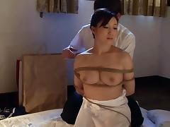 Shion Utsunomiya in Housewife Yu Bondage Sex - MilfsInJapan