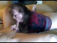 Amateur mature slut sucks