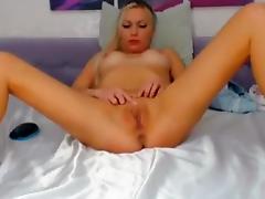 Blonde camslut wants more viewers