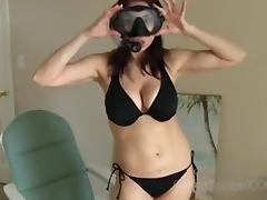 Do I Look Like a Sexy Bond Girl? - Tara Tainton