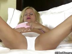 America's sexiest milfs part 37